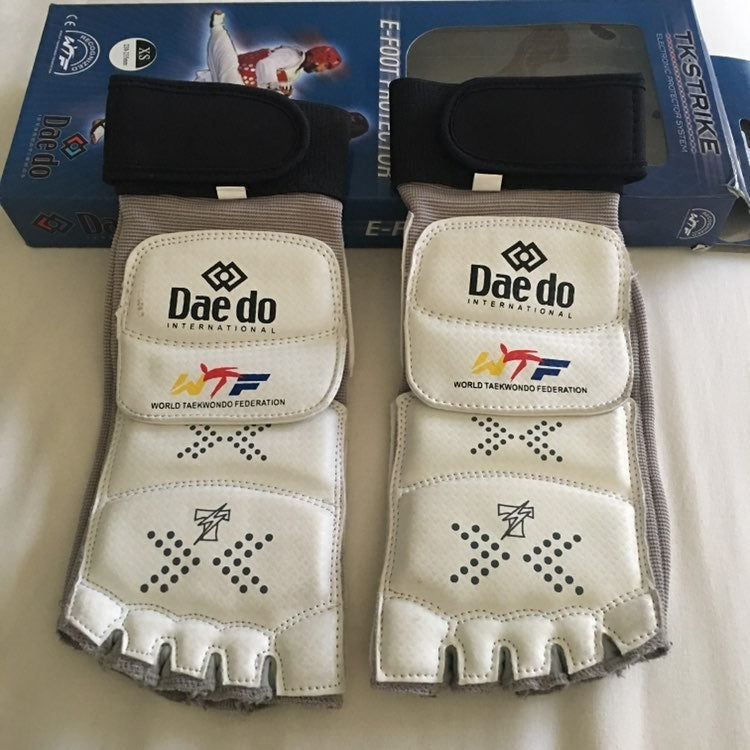 Daedo WTF Sparring Foot Gear Size XS