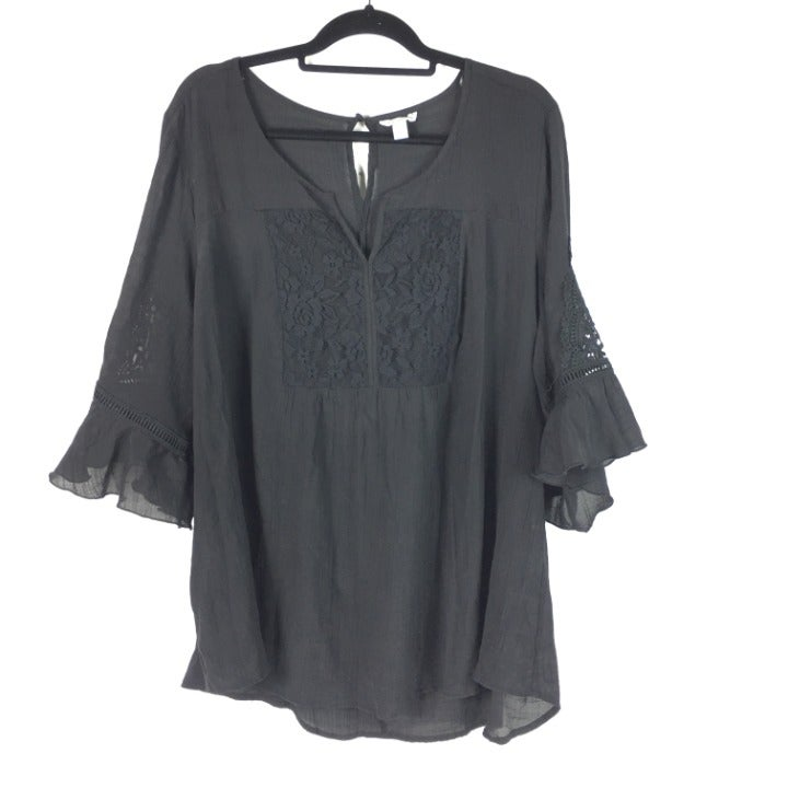 NWOT Cato Lace Bell Sleeve Blouse Top