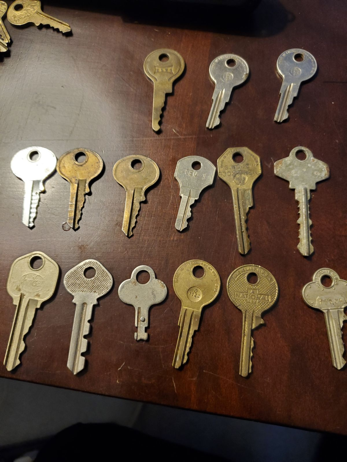 Vintage key lot