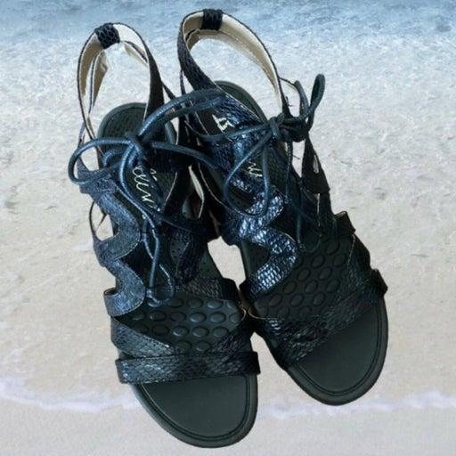 Bellini Size 8 Black Strap Sandal Shoe