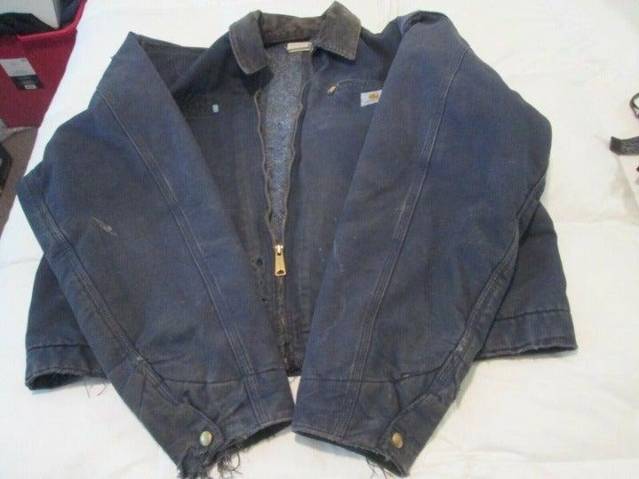 VTG Carhartt Distressed Chore Jacket L**