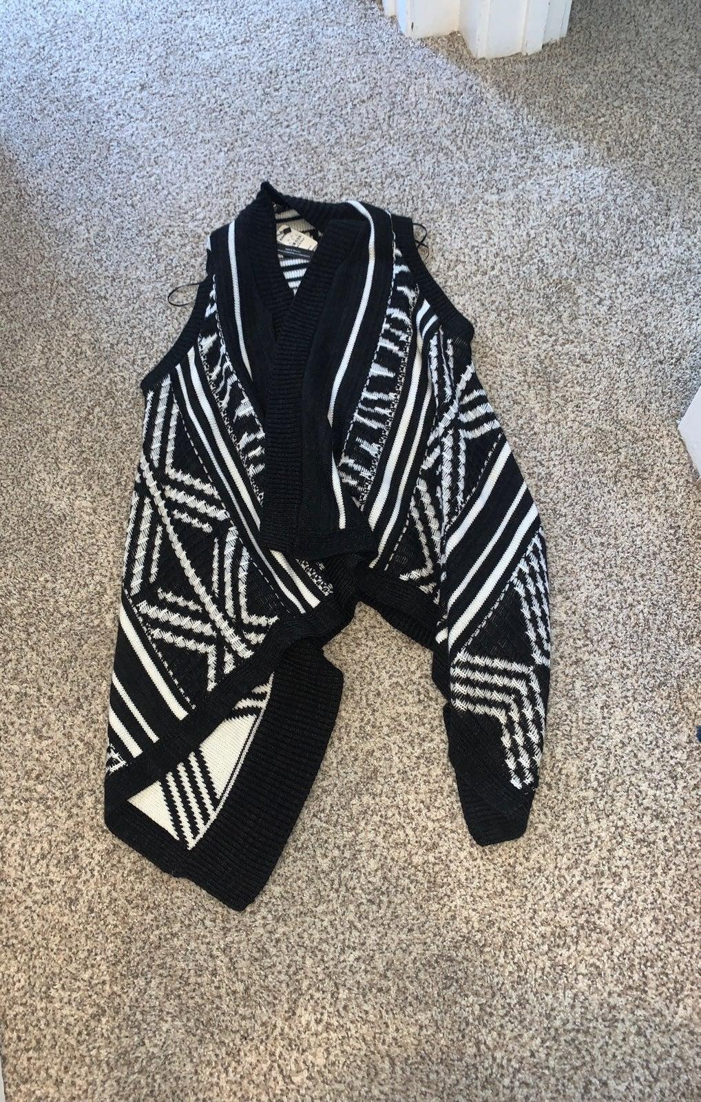 Womens vest/shawl