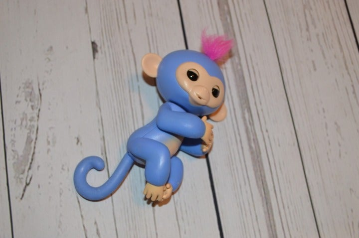 WowWee Liv Monkey Fingerling +Playground
