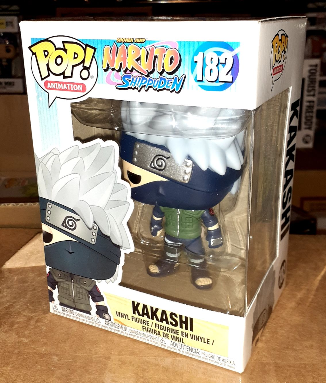 Funko pop Kakashi #182 In hand