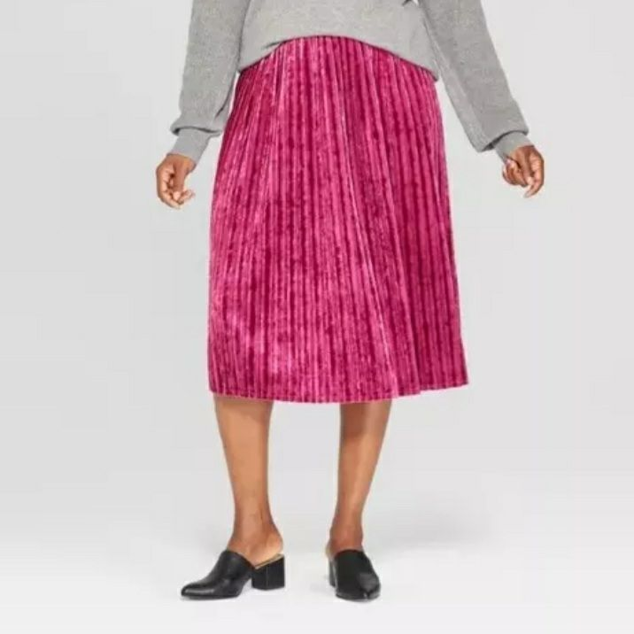 Ava & Viv ~ Berry Size 4XL Pleated Skirt