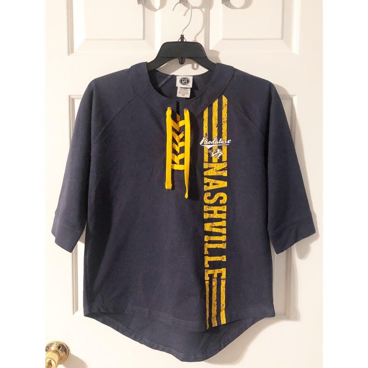 NHL Nashville Predators Shirt, Size M