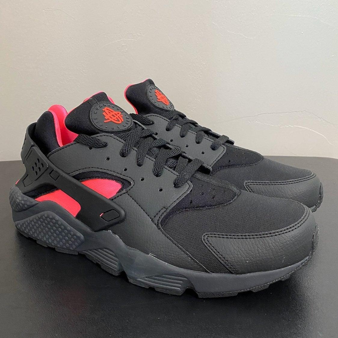 NEW Nike Air Huarache Coral Black