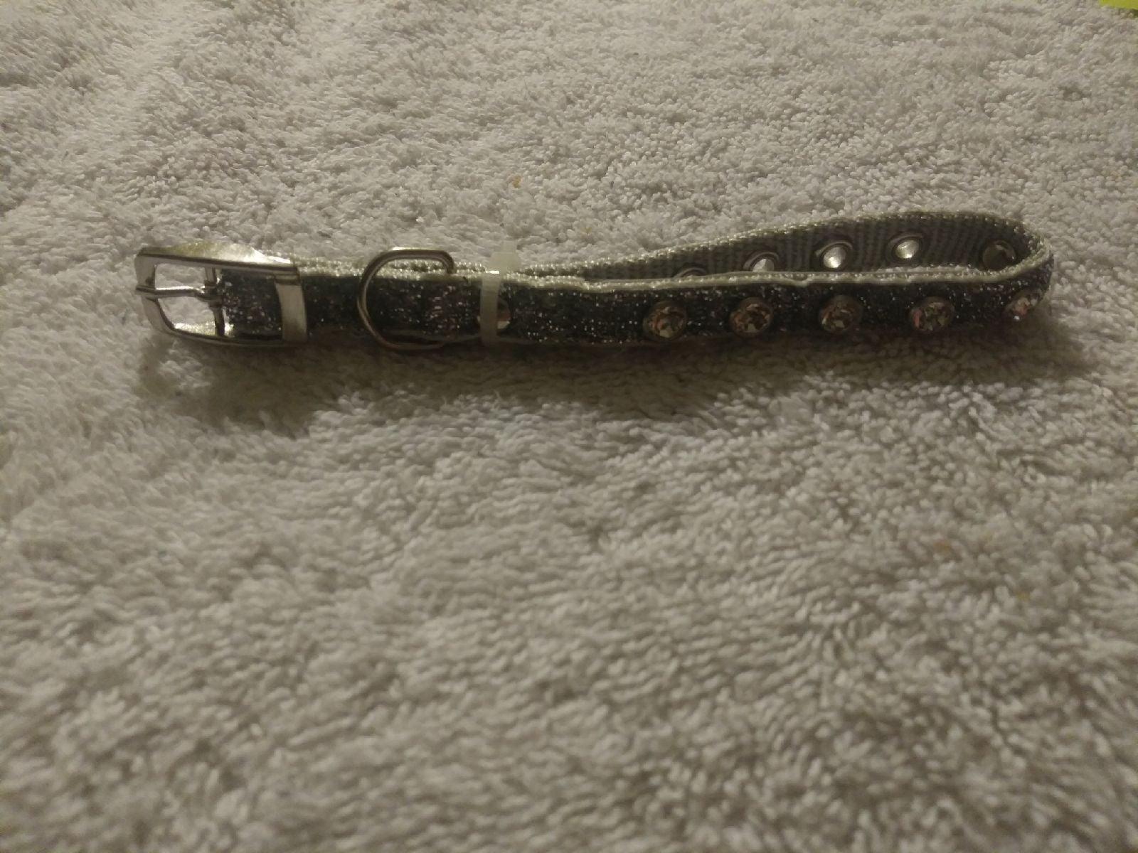 Vibrant life jeweled dog collar sz xs