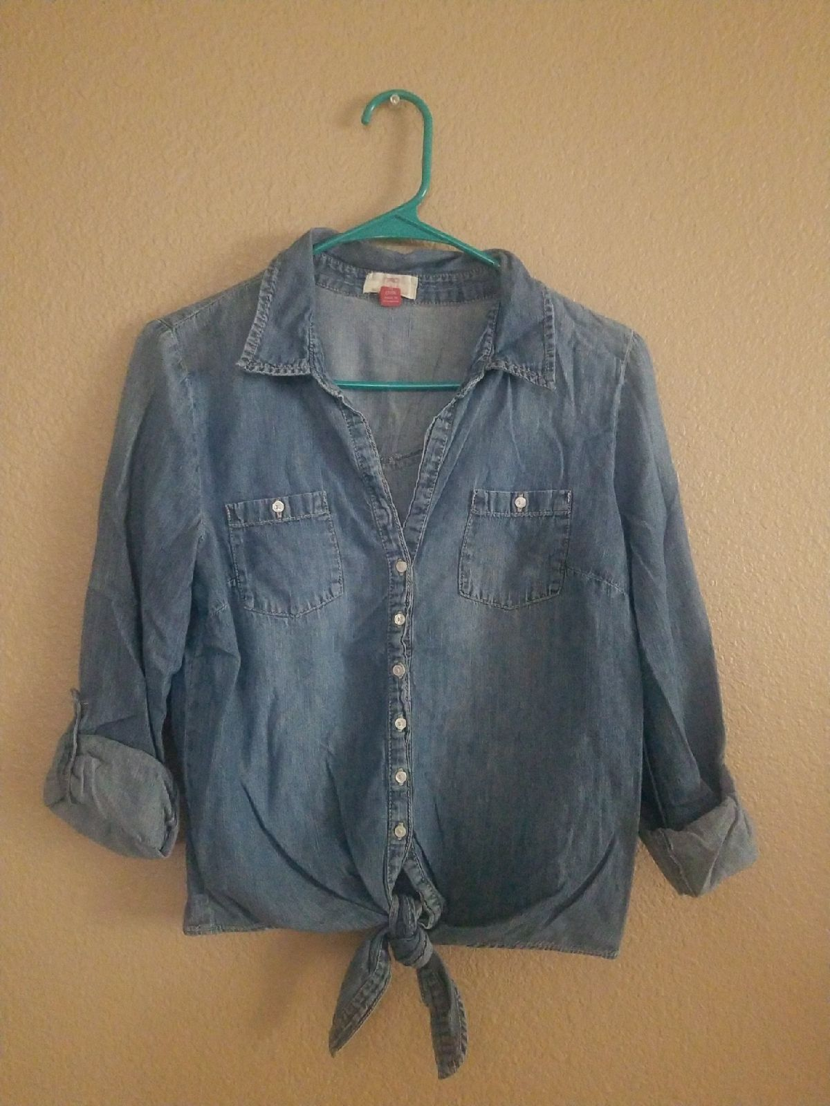 Cute Denim shirt with tie knot sz MED