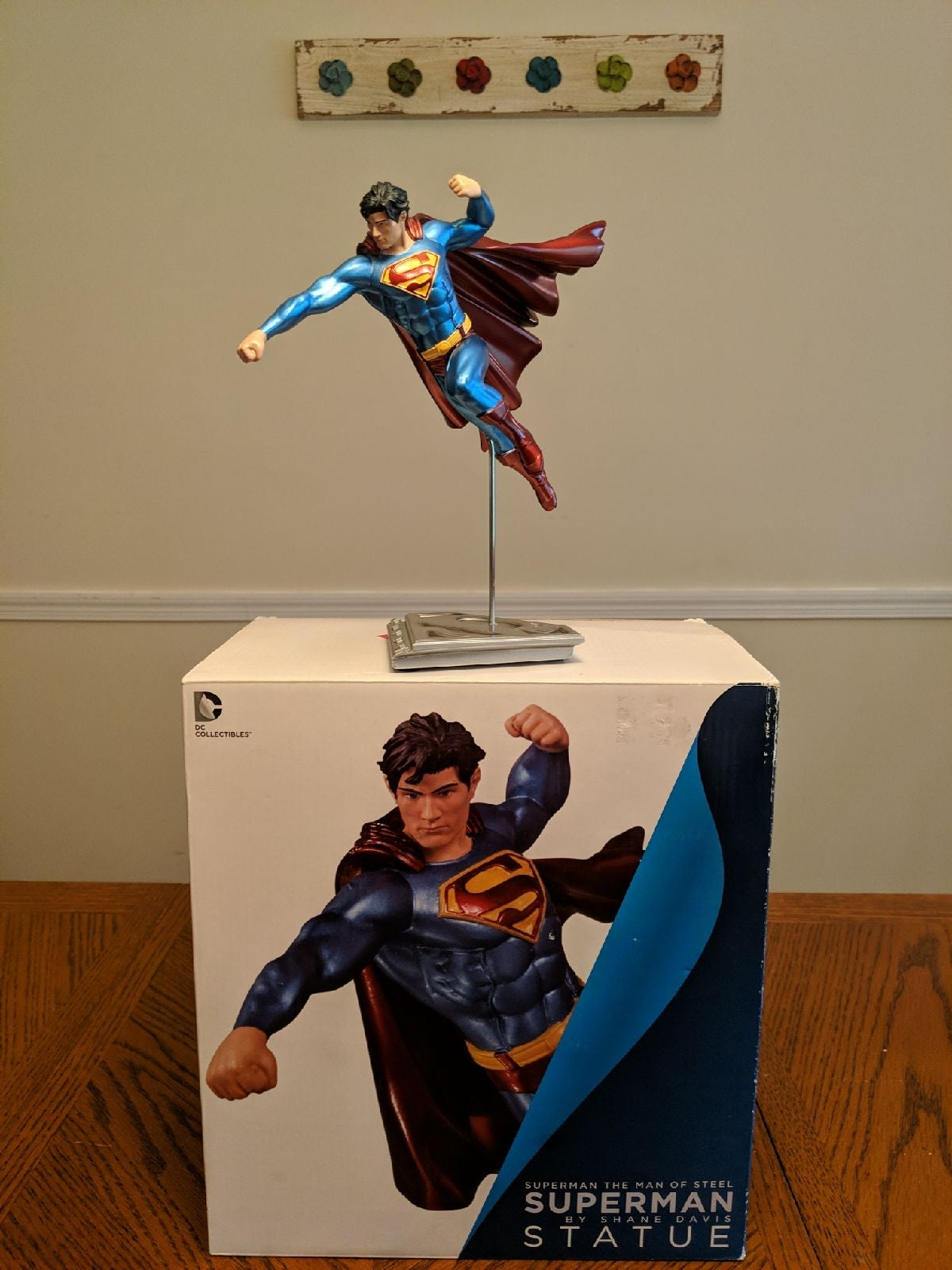 8 INCH LIMITED EDITION SUPERMAN STATUE