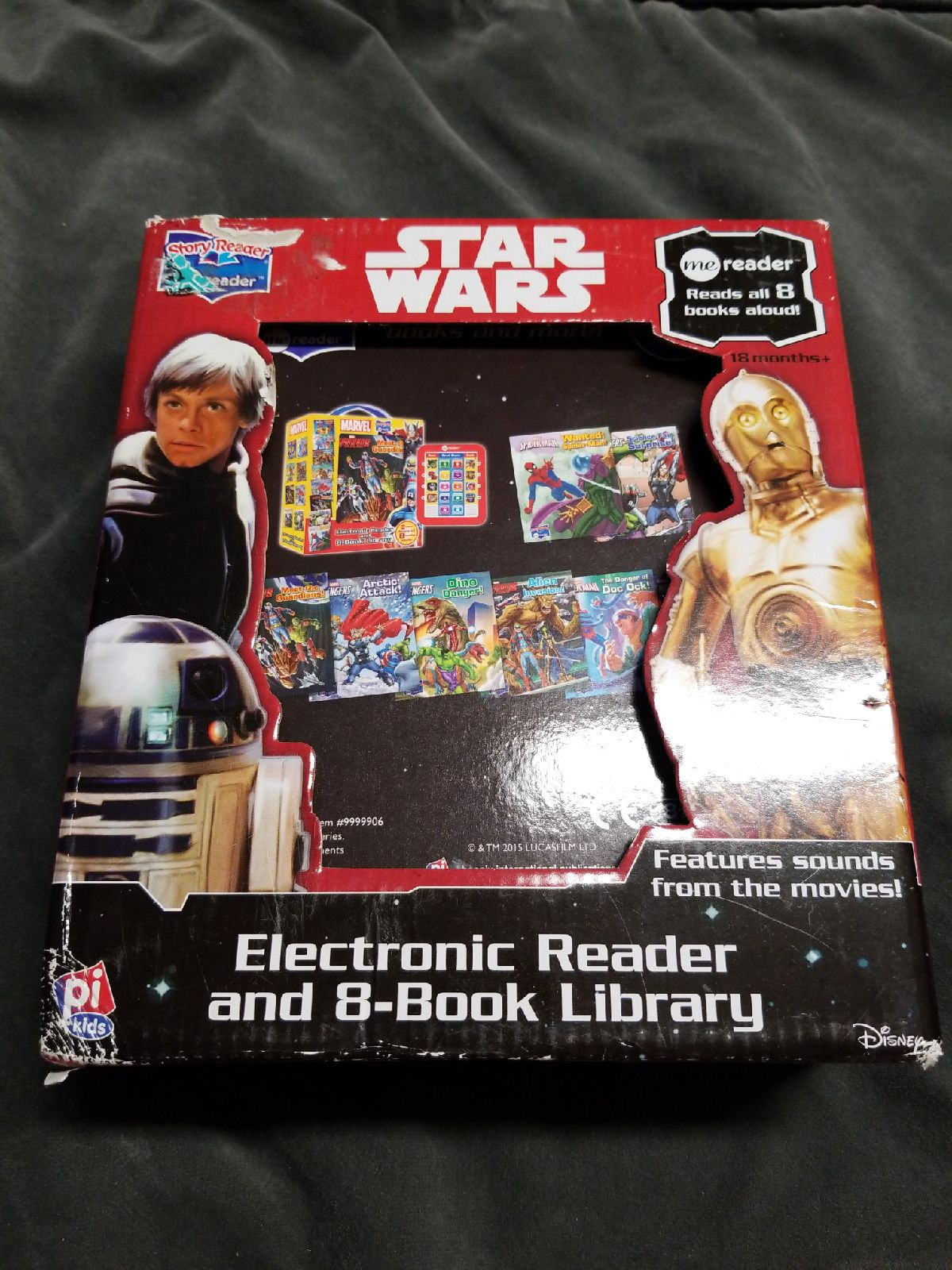 Star Wars electronic reader with 8 books