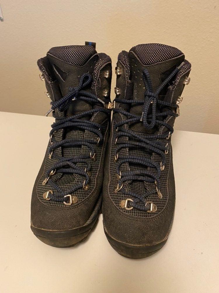 Tecnica hiking boot