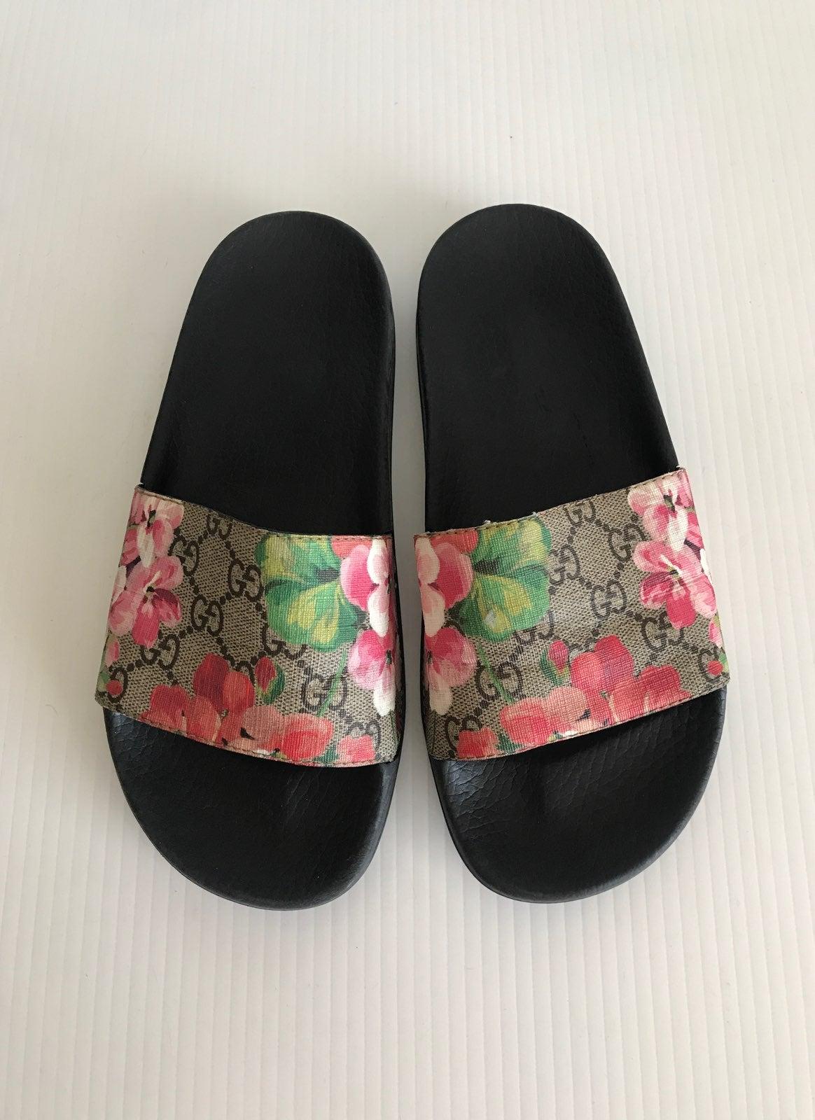Gucci GG Blooms Pursuit Slide Sandal 8US