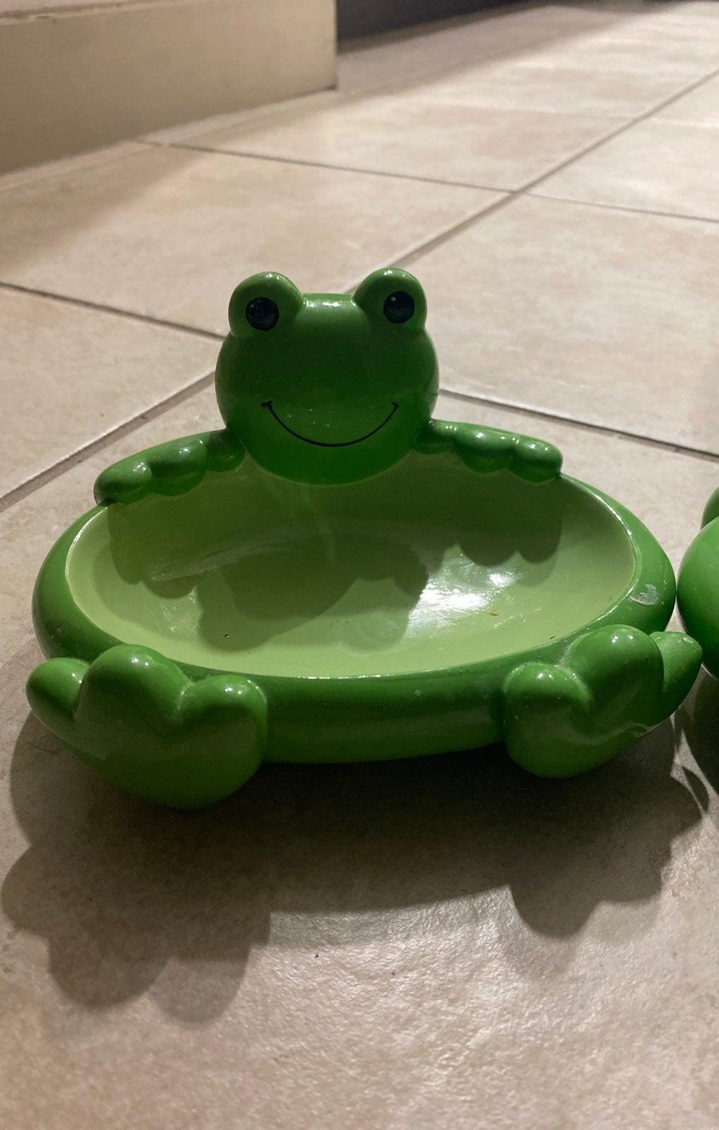 Set of 2 Pottery barn frog soap dish kid