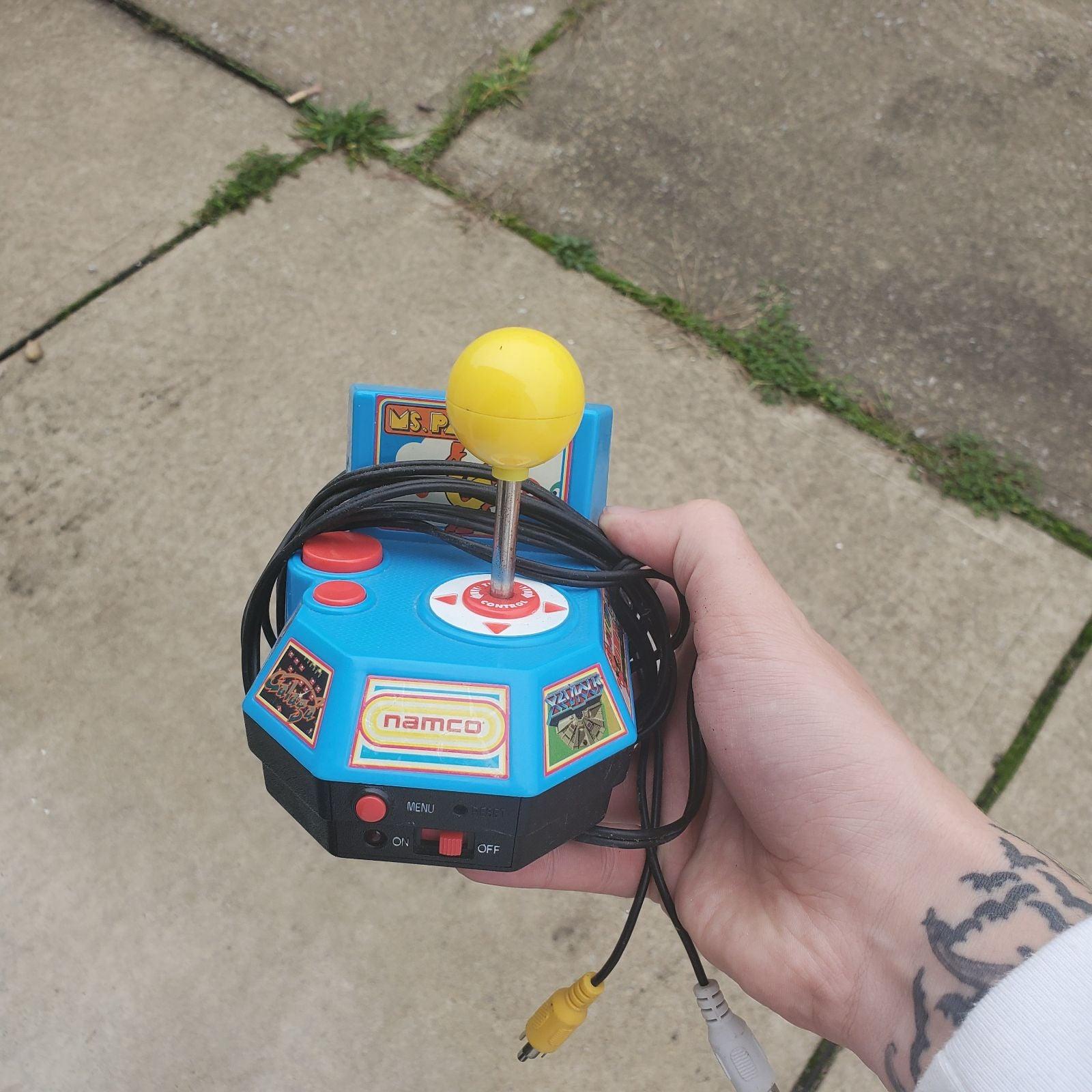Namco Ms. Pac-Man Plug And Play.