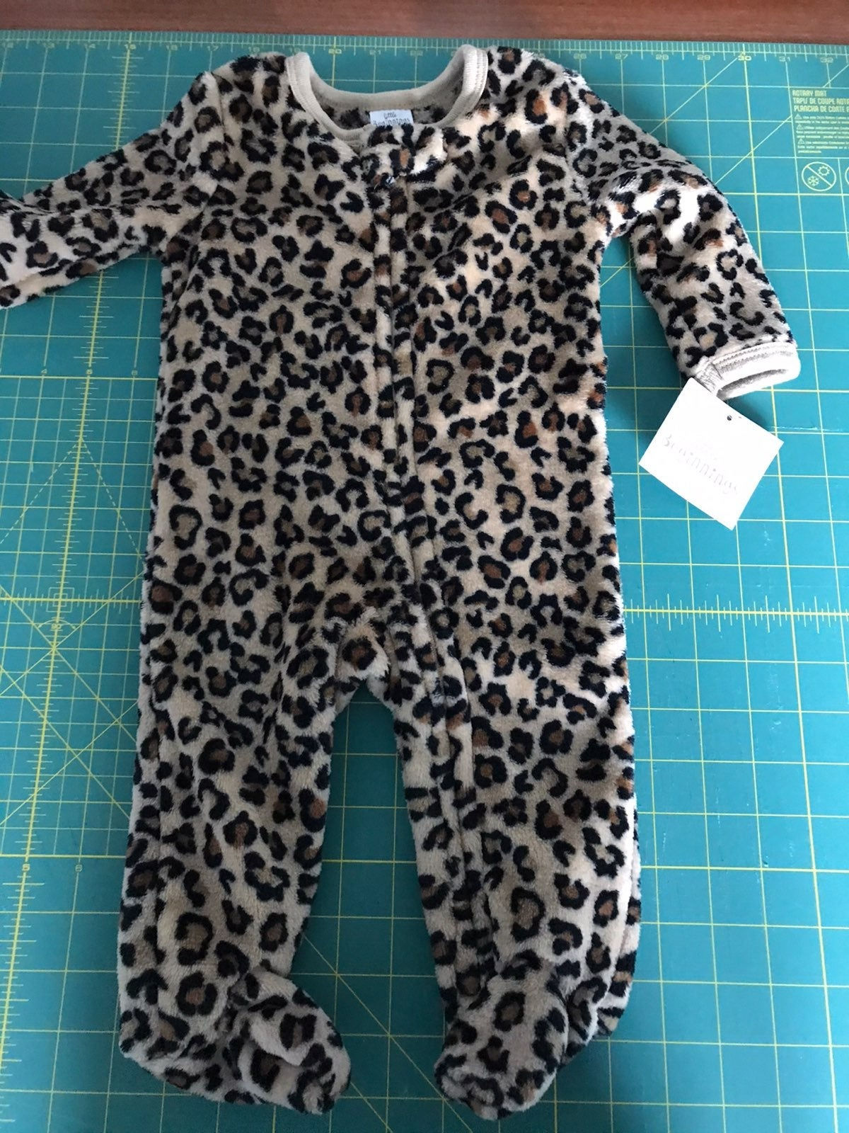 Little beginnings pajamas 3/6 ms NWT