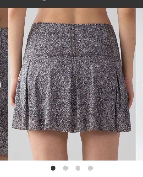 Lululemon 6 TALL Lost in Pace skirt B/W