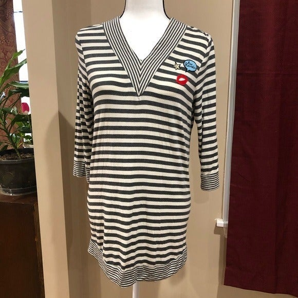 NWOT Summer & Sage Maternity Pullover To