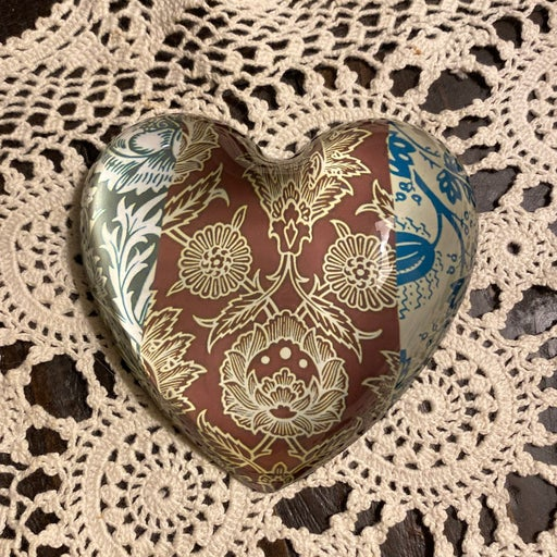 Glass Paperweight/ Heart-shaped