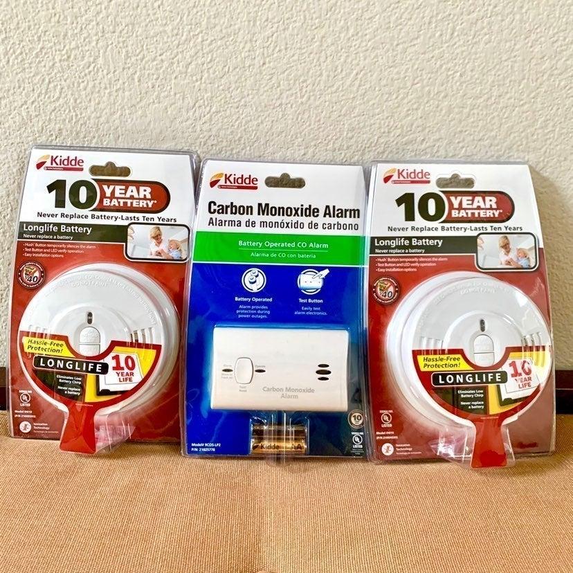 (3) KIDDE Smoke Alarms & Carbon Monoxide