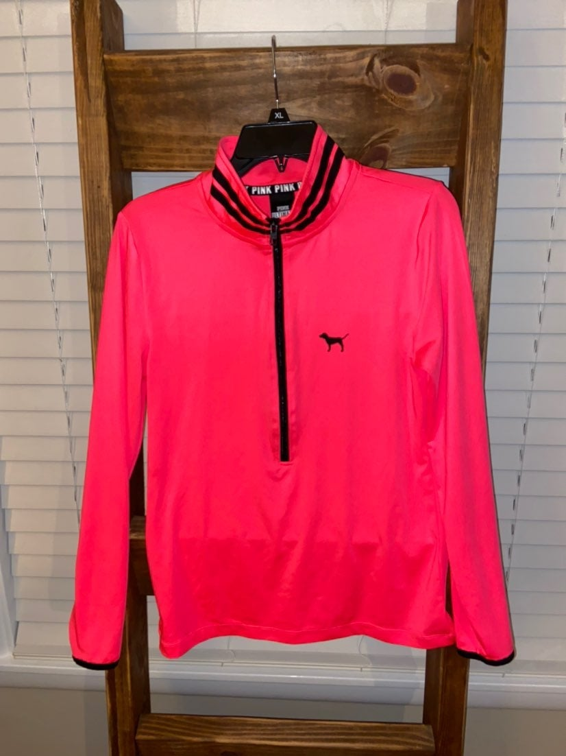 PINK Ultimate Pullover Medium
