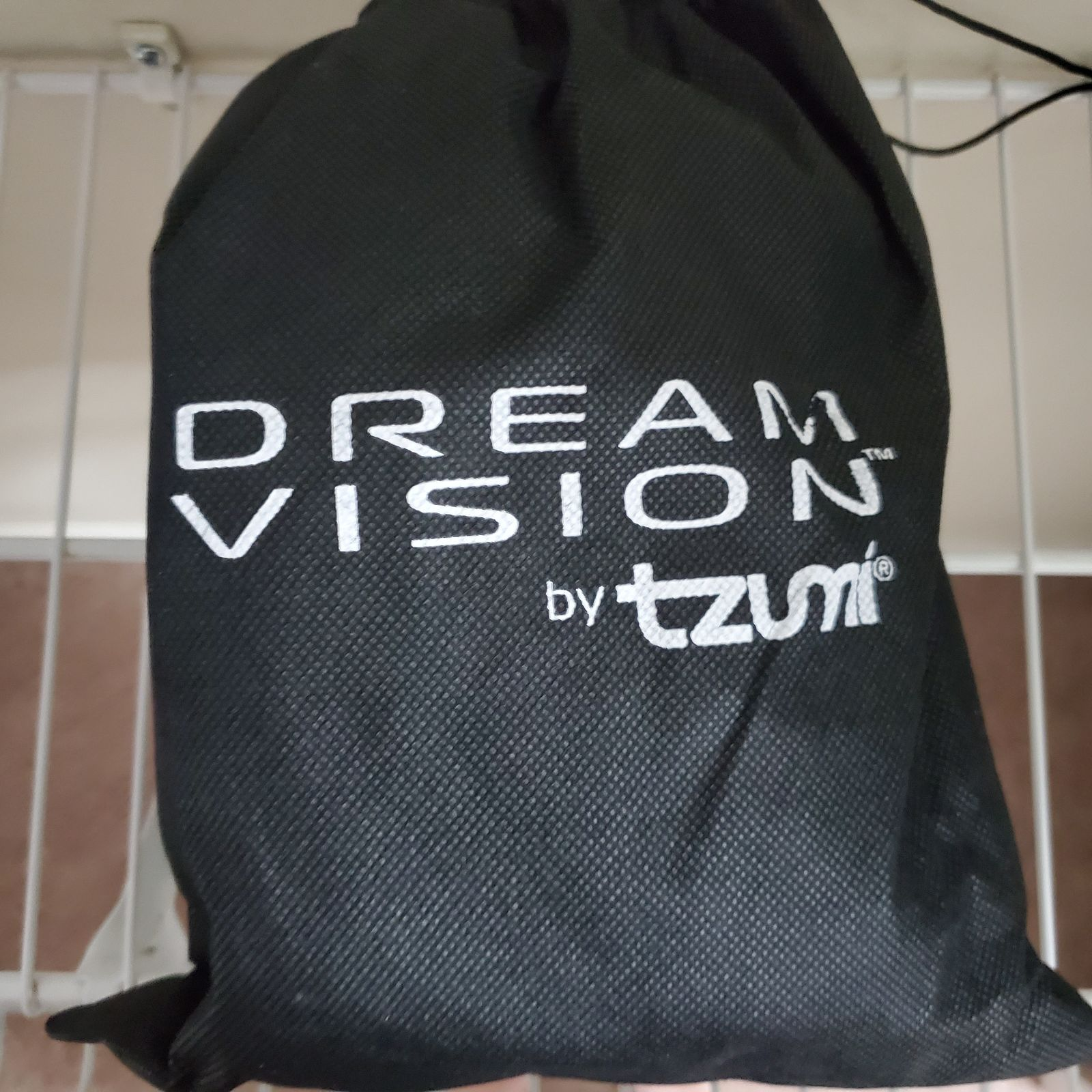 Dream Vision by Tzumi VR Headset
