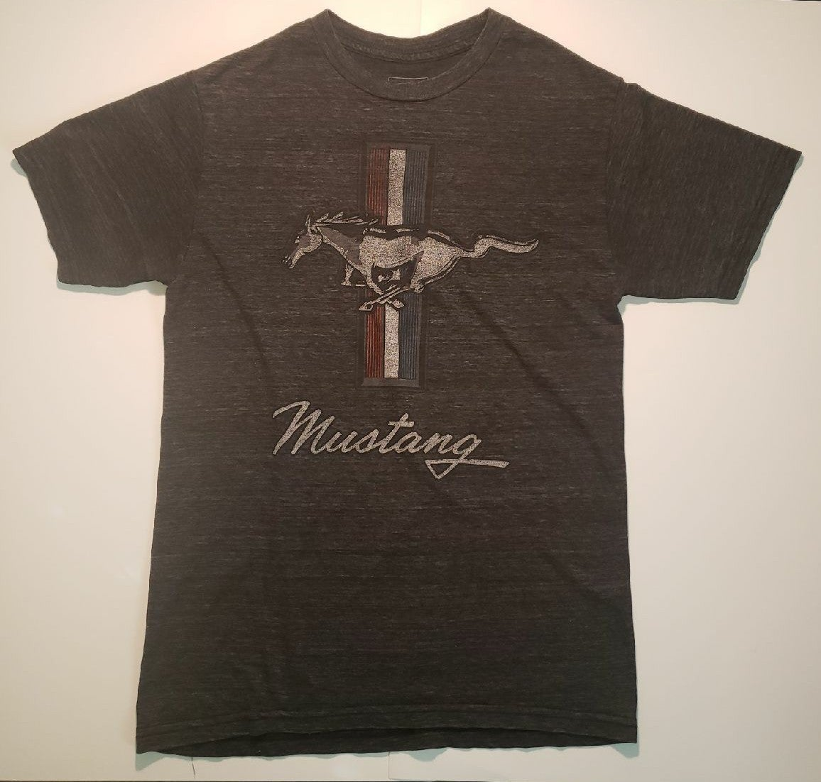 Official Ford Mustang shirt Small