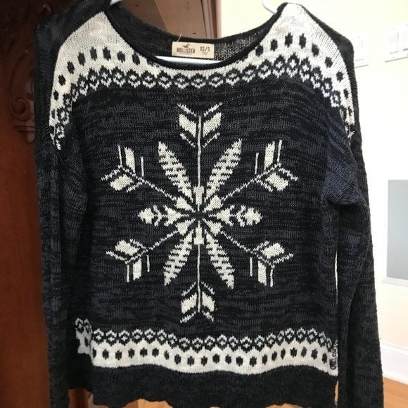 Hollister Knit Snowflake Sweater