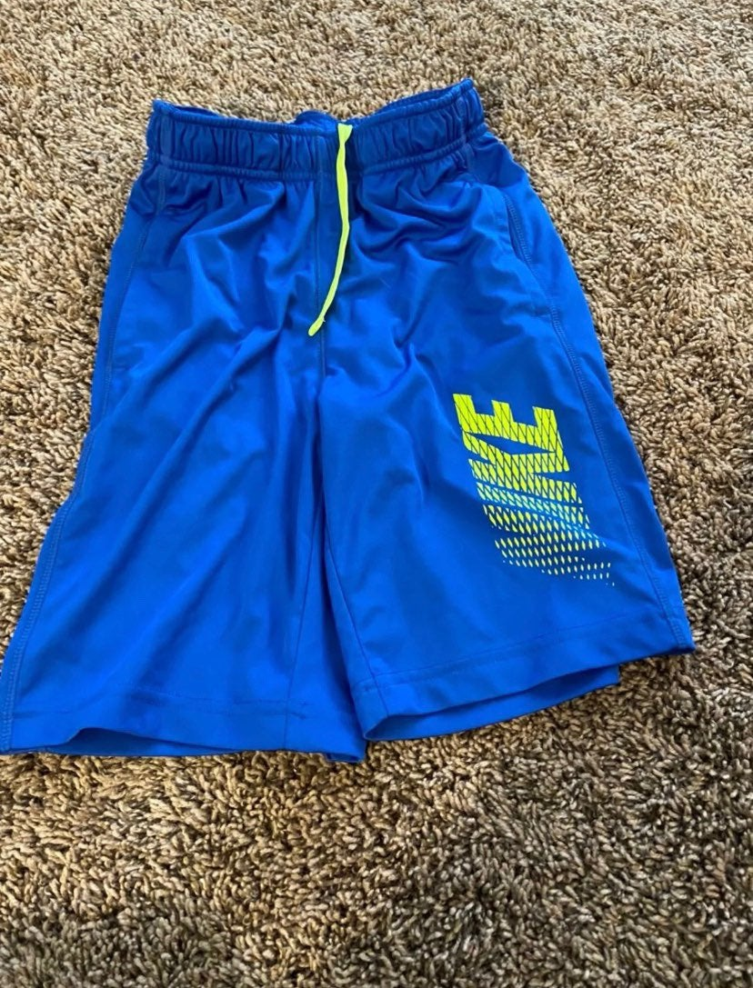 Royal blue Nike basketball shorts- Sz S