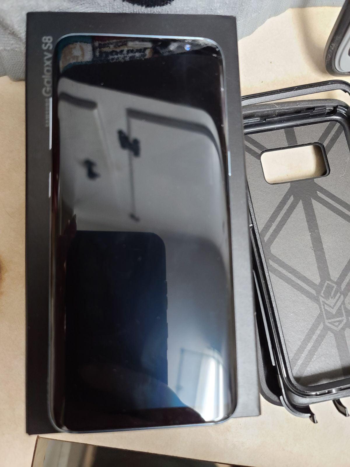 Unlocked Samsung galaxy s8 with extras