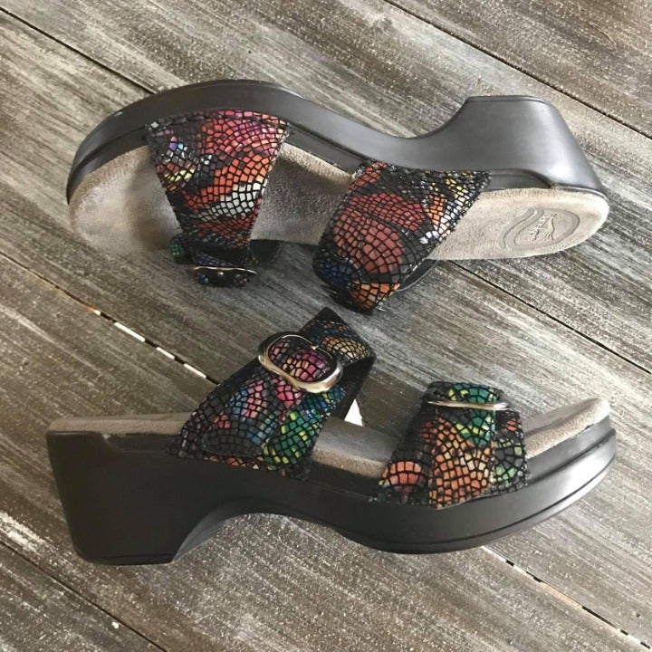 DANSKO Women's Size 6-1/2 to 7