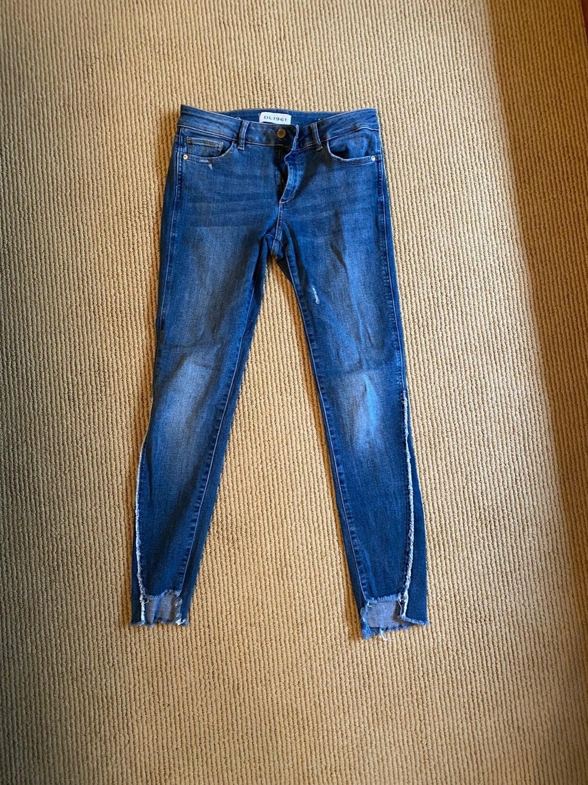 DL1961 size 27 Skinny Jeans