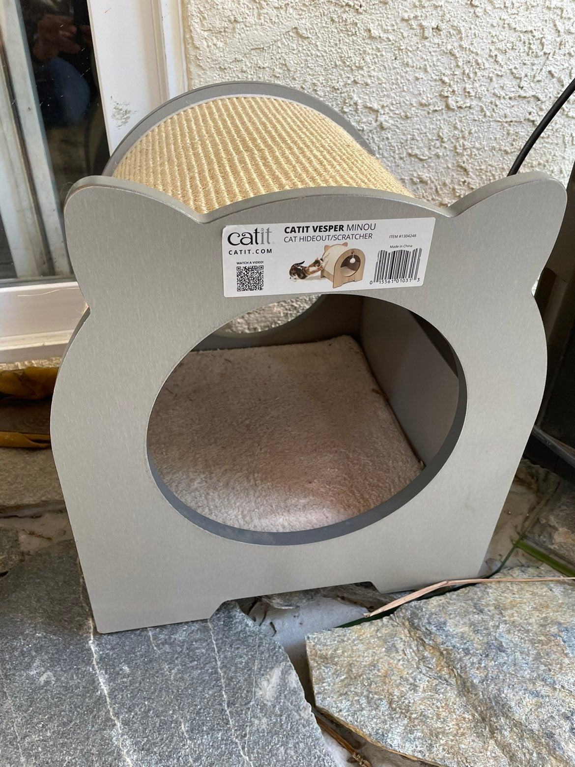 Cat scratcher /bed