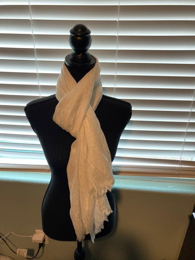Calvin klein beige scarf