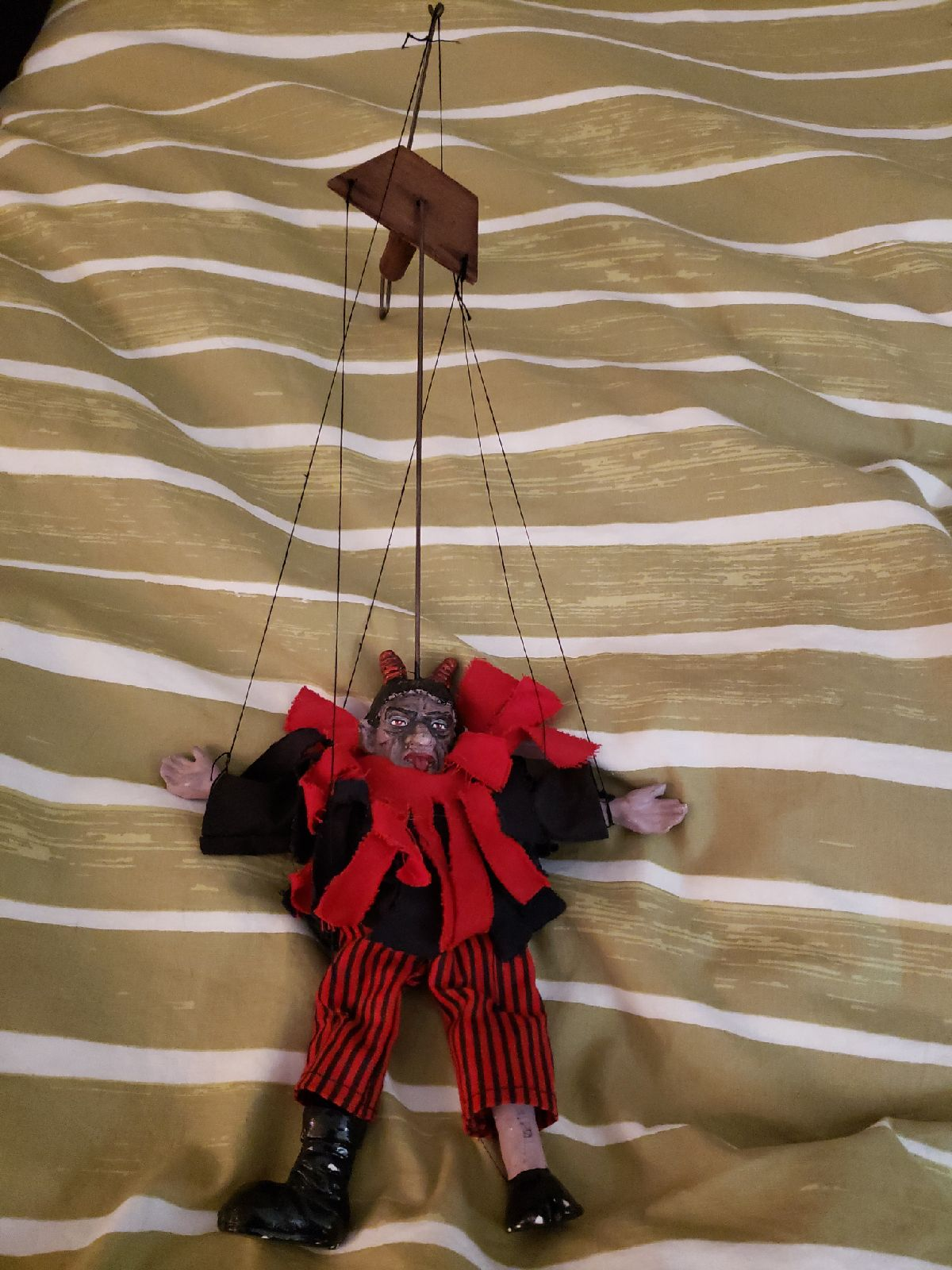 Devil Marionnette