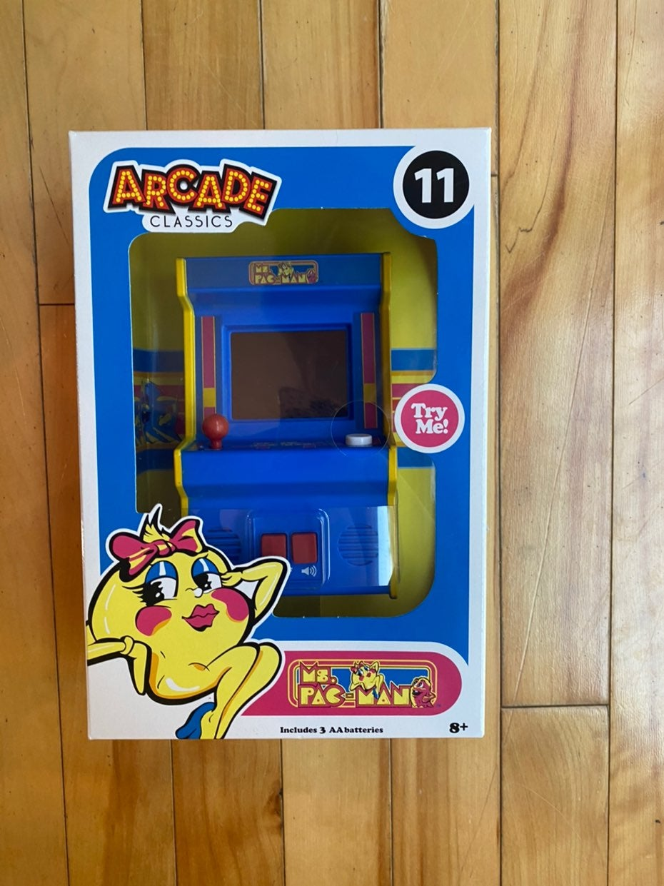 Arcade classics ms. pacman game