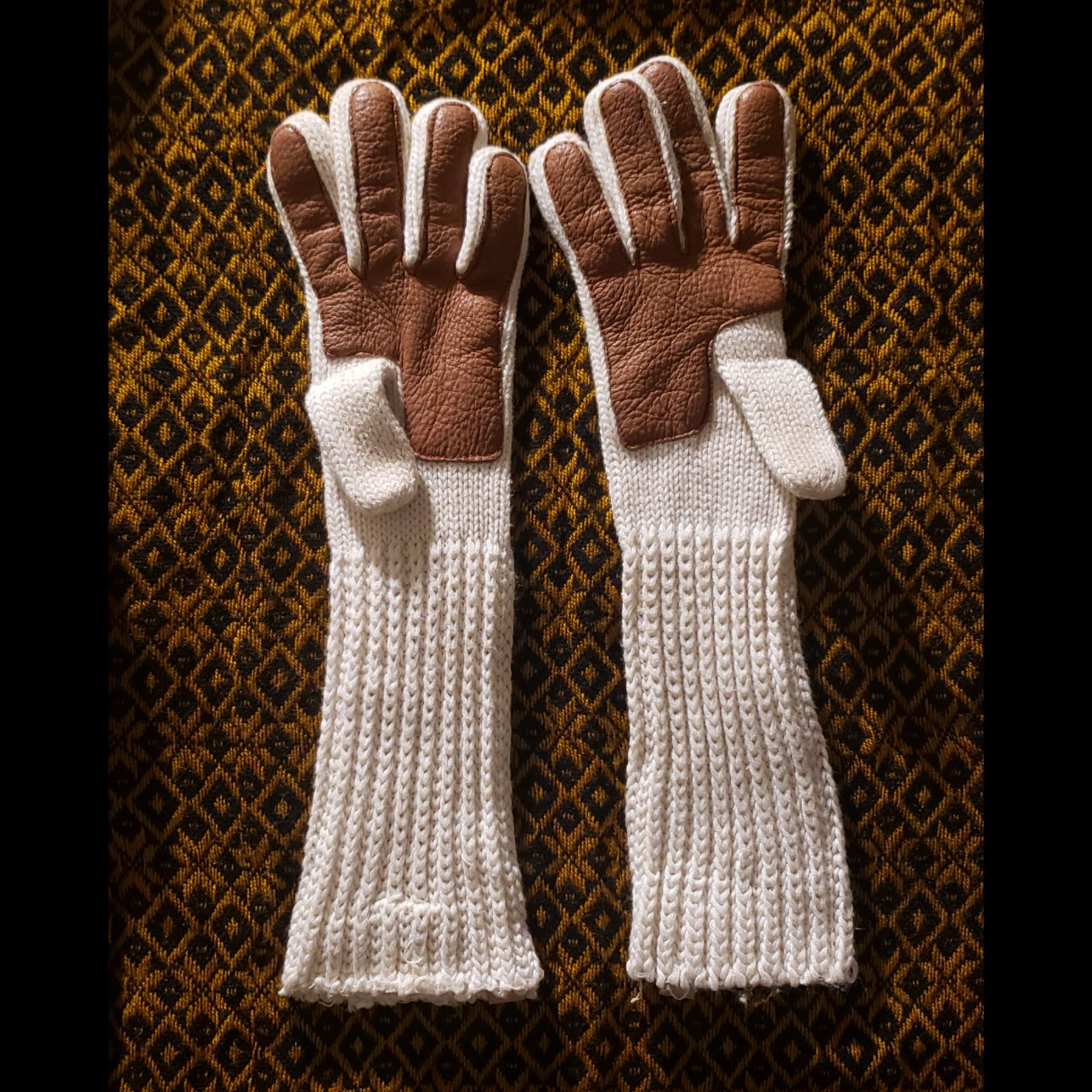 UGG Long knitted Gloves