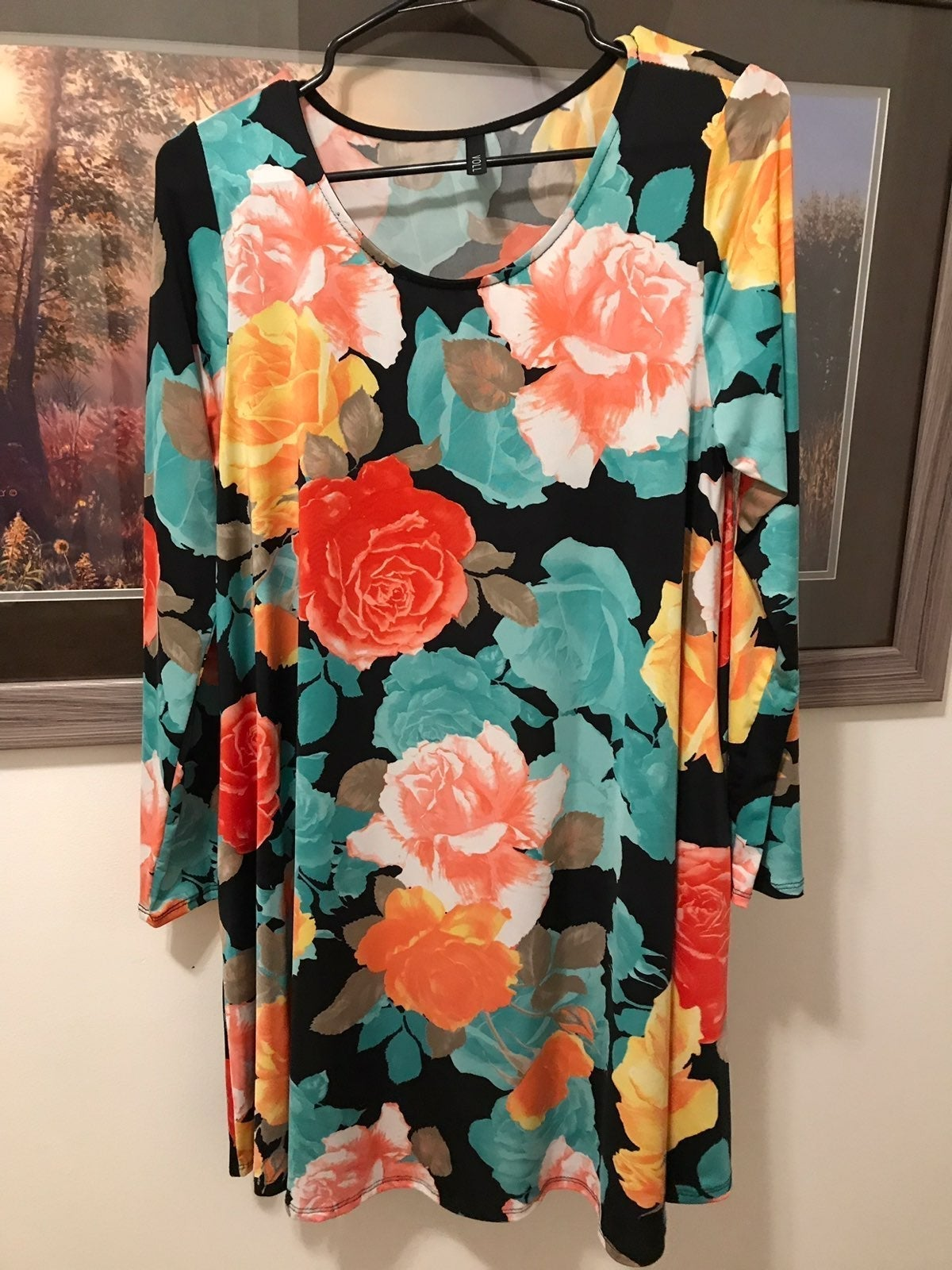 Boutique Slinky Roses Tunic Modest Small