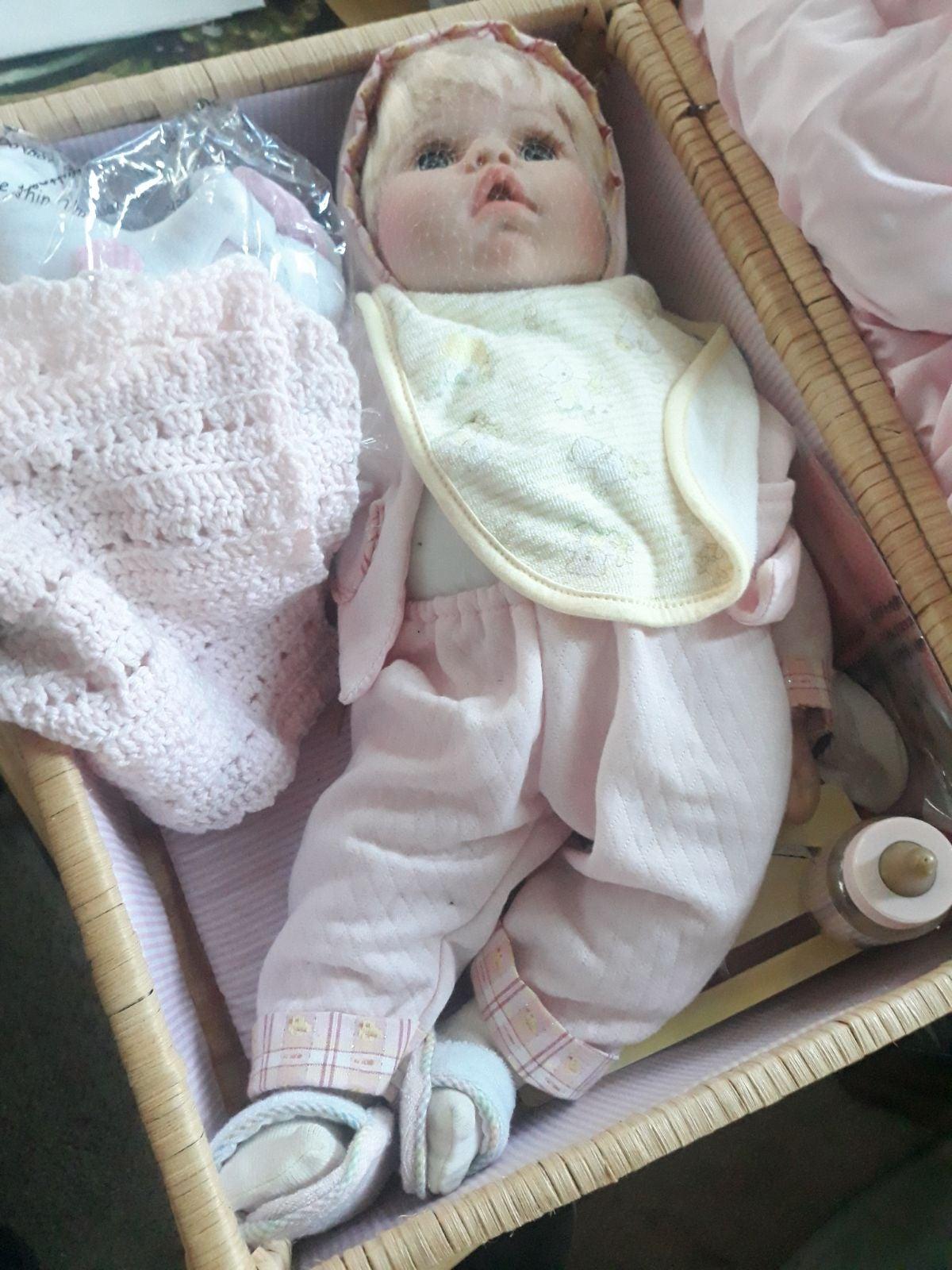 BABY LINDSEY ENSEMBLE DOLL PARADISE GALL