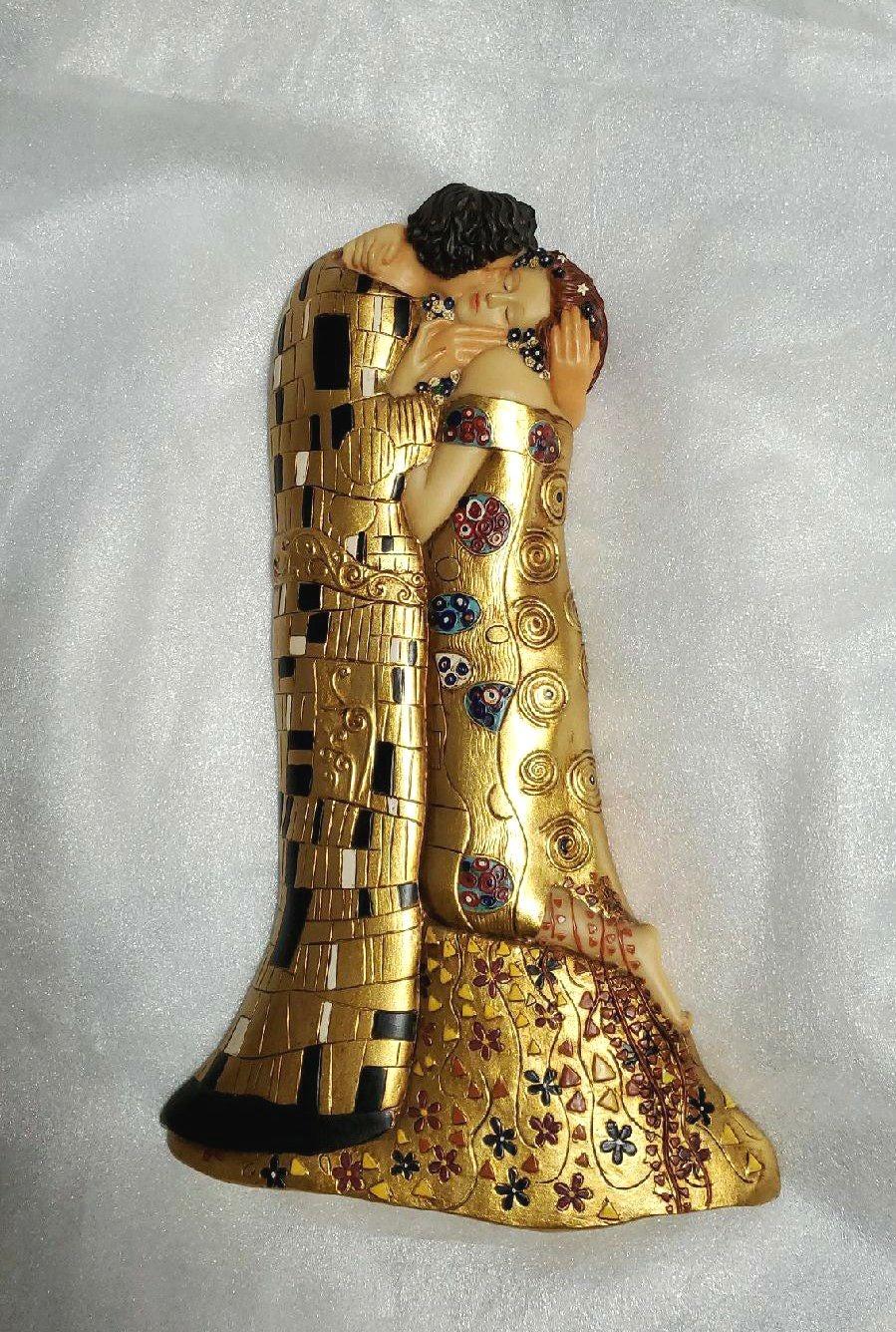 "Hanging sculpture of Gustav Klimt "" THE"