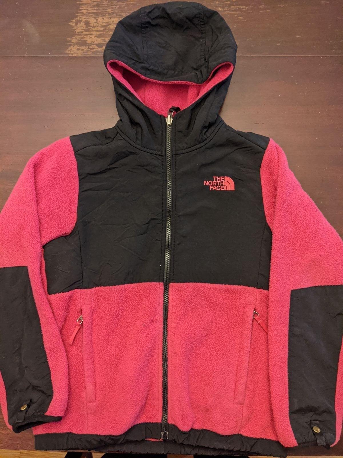 Girls North Face Denali hooded Jacket M