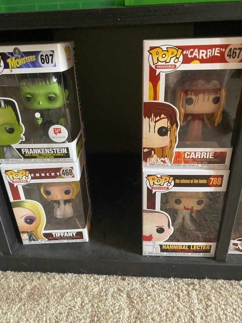 Set of pops