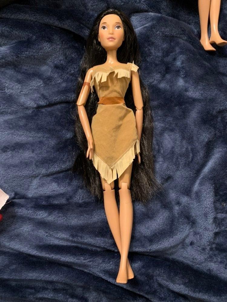 "17"" Disney Exclusive Singing Pocahontas"