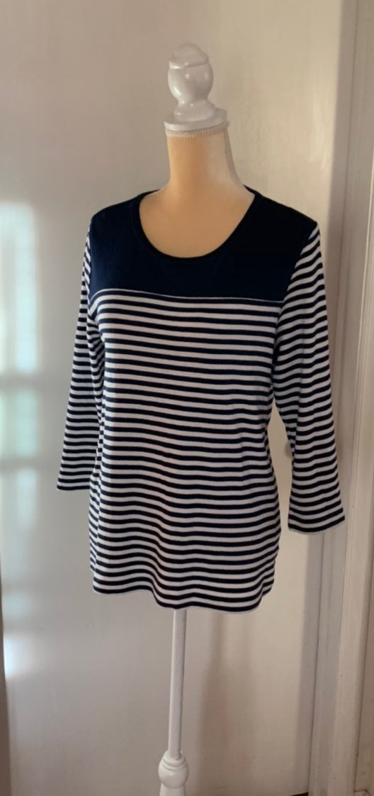 Kim Rogers Navy /White top Size XL Cotto