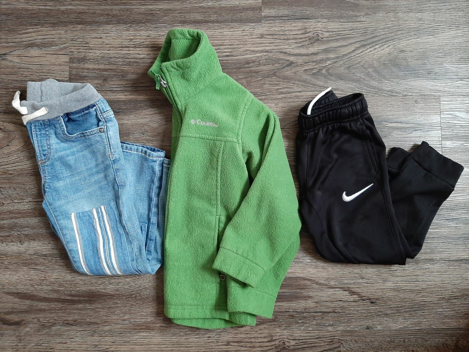 Bundle of boys bottoms and fleece size 5