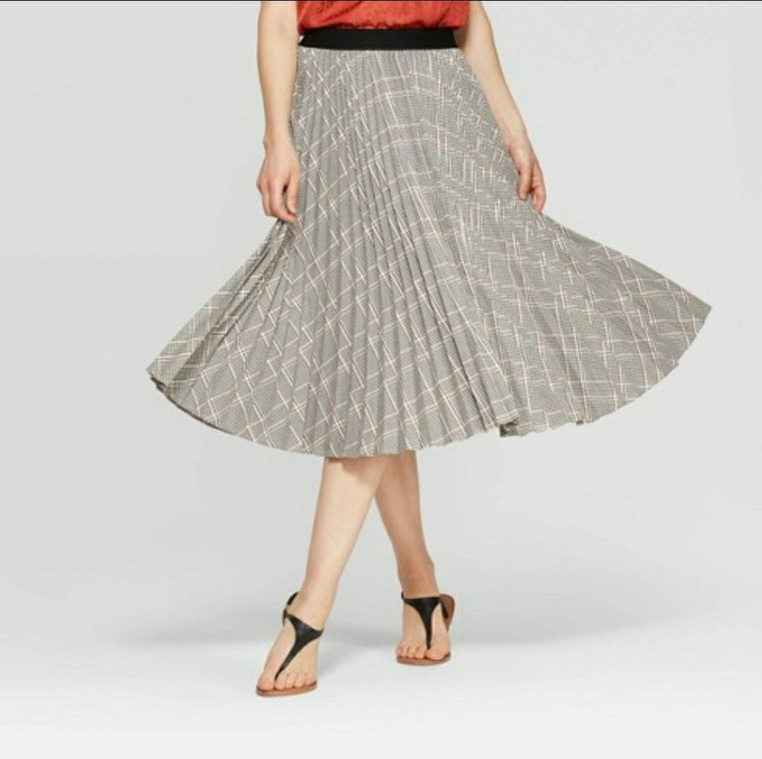 Pleated midi Skirt houndstooth design