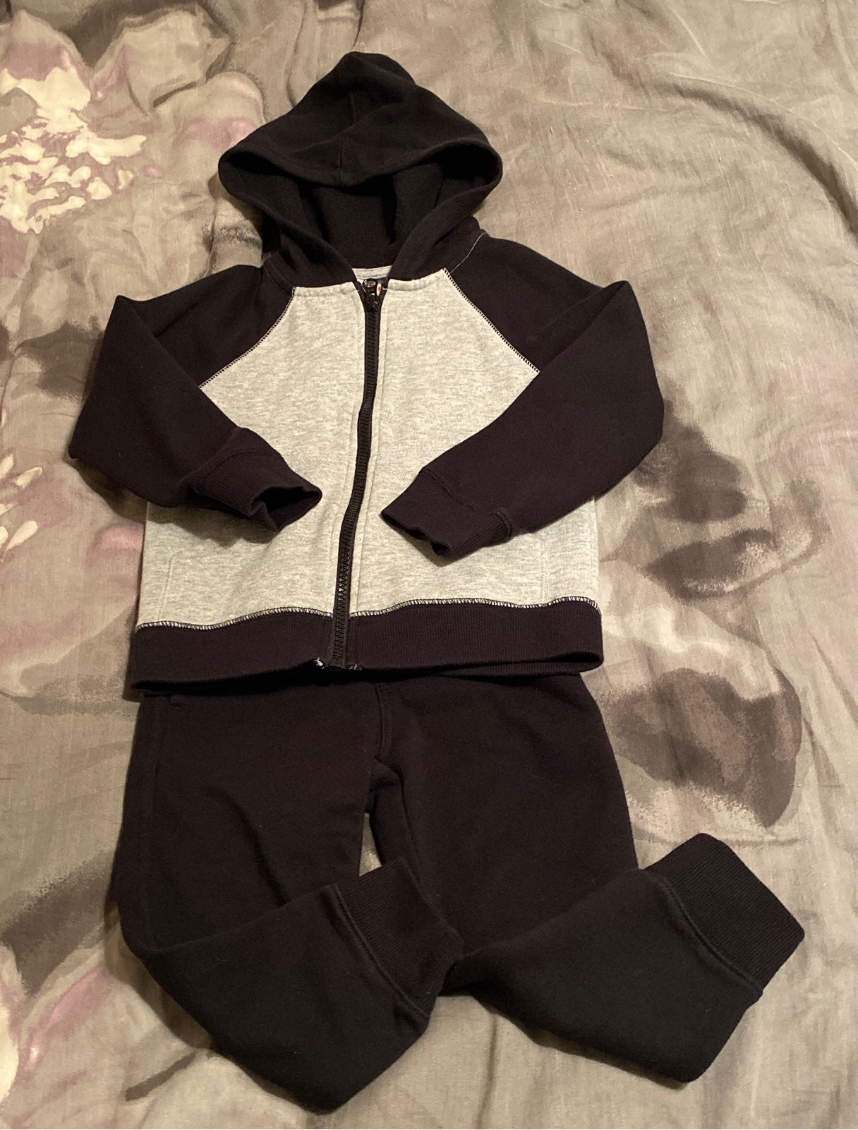 Boys 3T Gymboree sweatsuit