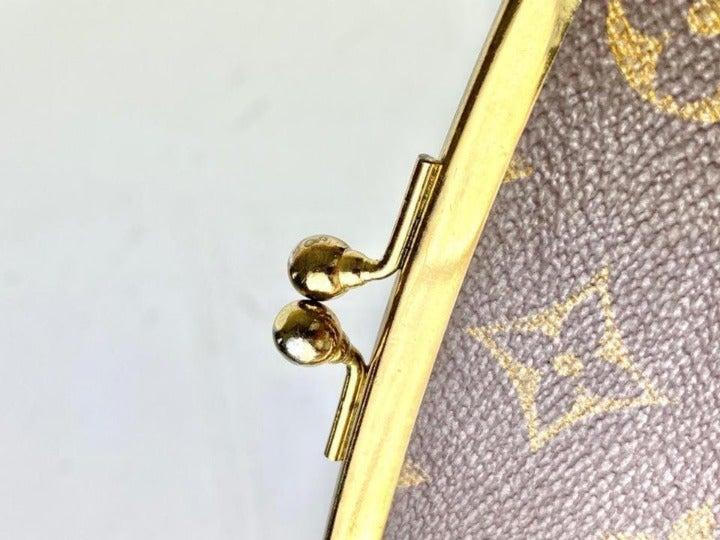 Louis Vuitton Monogram Kisslock Pouch Co