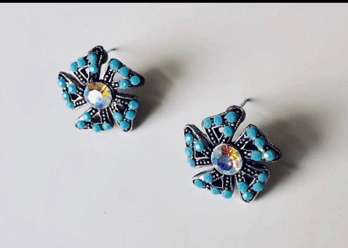 Blue stud Earrings - new