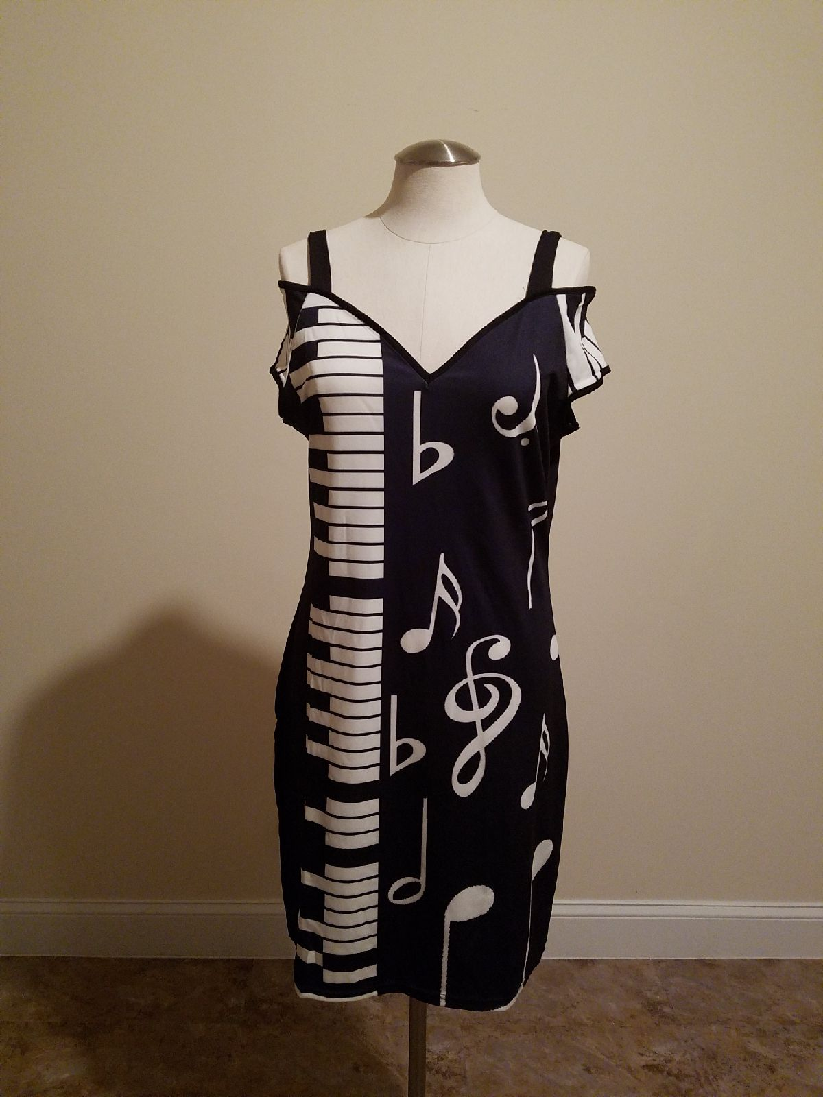 Alluring Musical Note bodycon dress.